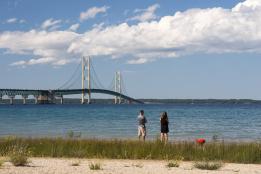 Mackinac-Bridge-summer-scene